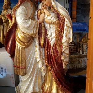 couple avec bébé en résine posture