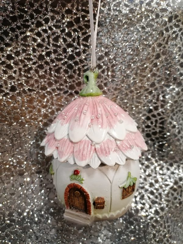 suspension petite maison fleurie